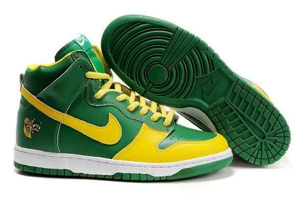 best sneakers 890ba 9195a Mens Nike Dunk SB High Shoes Lucky Bee Mickeys Malt Liquor