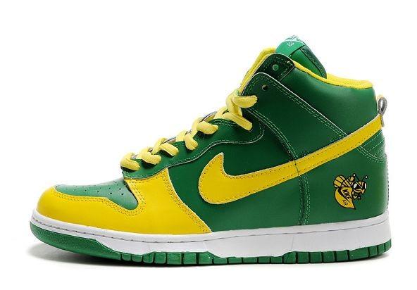 buy popular c5e69 9483e ... Mens Nike Dunk SB High Shoes Lucky Bee Mickeys Malt Liquor ...
