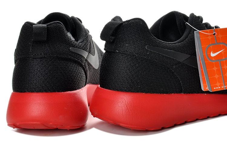 e5e57bcdd8c0 Nike Roshe Run Black Roshe Runs Black And Green